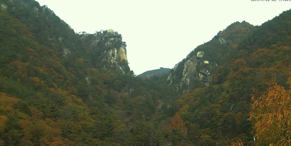 昇仙峡のシンボル「覚円峰」ライブカメラと雨雲レーダー/山梨県甲府市