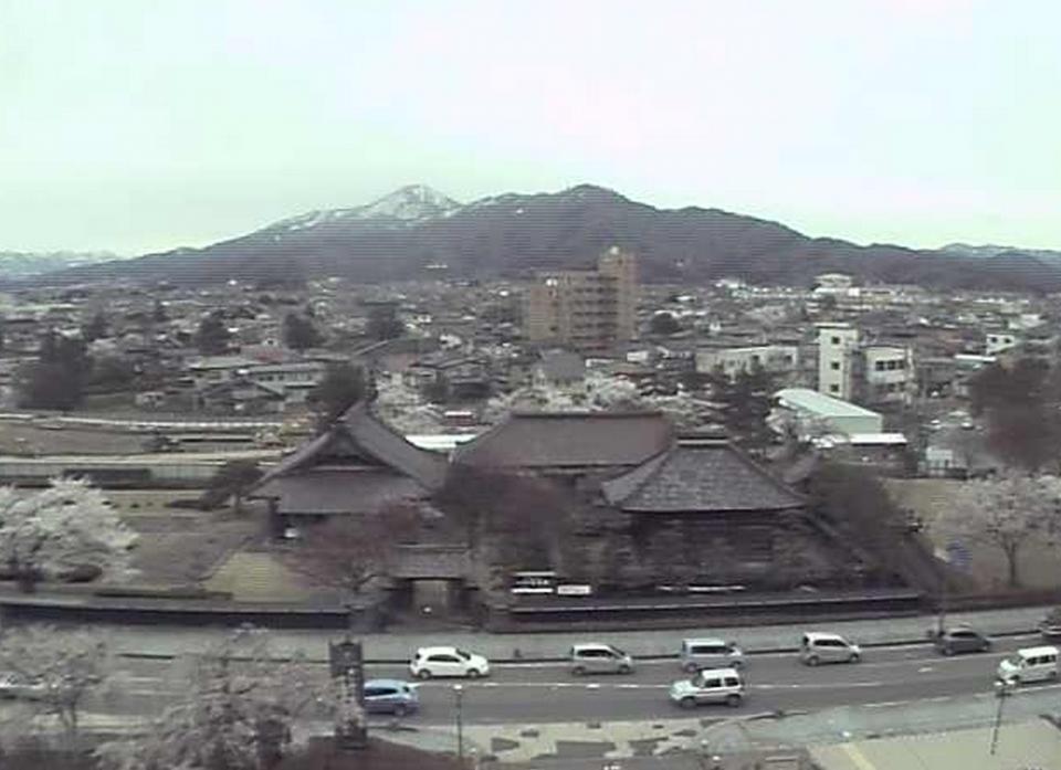 致道館ライブカメラと雨雲レーダー/山形県鶴岡市