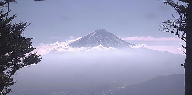 新道峠から見える富士山ライブカメラと雨雲レーダー/山梨県富士河口湖町