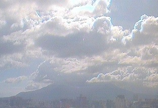 停止中:鹿児島大学から見える桜島ライブカメラと雨雲レーダー/鹿児島県鹿児島市