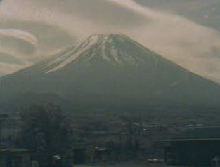 富士ヶ嶺 富士山ライブカメラと気象レーダー/山梨県富士河口湖町