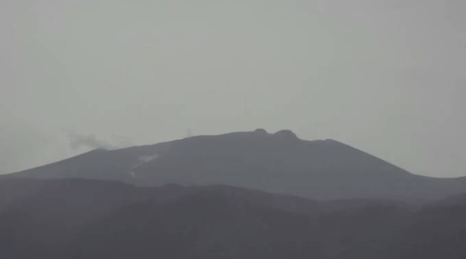 新燃岳ライブカメラ(鹿児島読売テレビ)と雨雲レーダー/鹿児島県霧島市